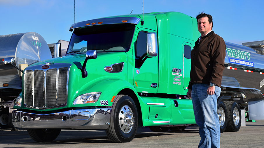 Heniff Transportation founder and company president Bob Heniff has built the company fleet to more than 450 tractors, most of which are Peterbilt Model 579s.